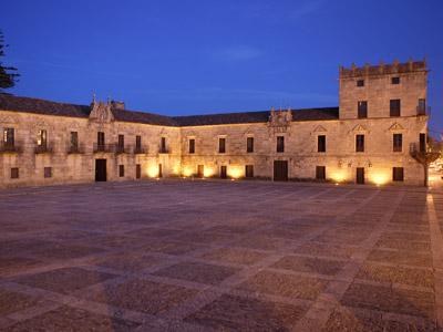 Plaza de Fefiñanes