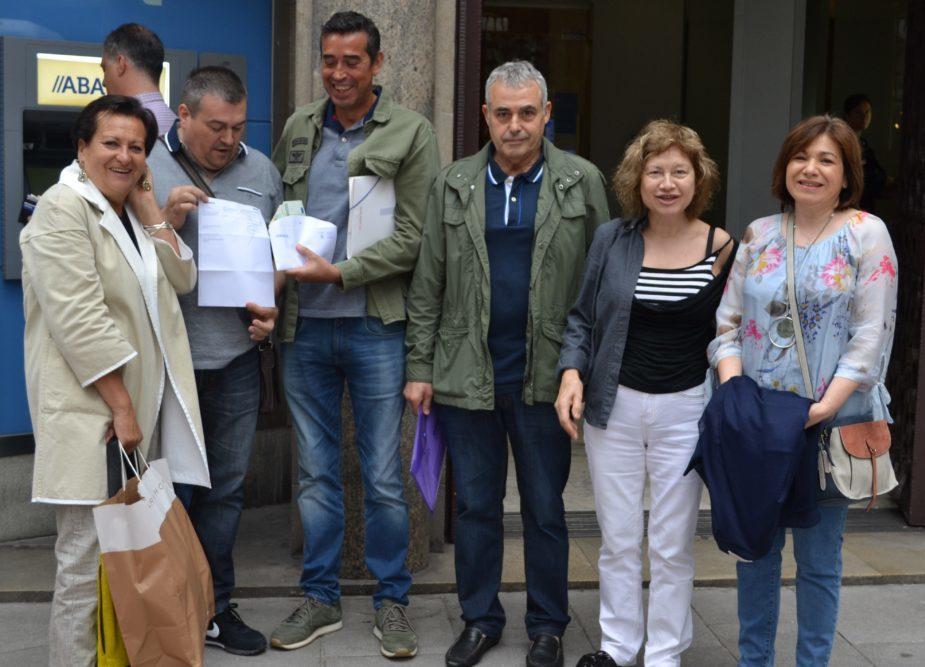 Protesta pola perda da oficina bancaria de Galeras