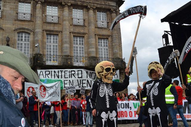 Convocatoria de protesta contra a mina de Touro